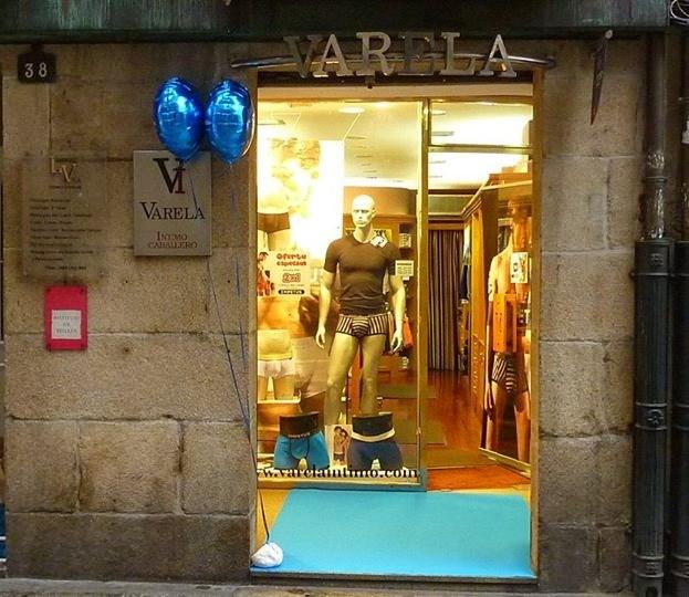 Escaparate Varela Íntimo, Tienda de ropa interior hombre en Ourense