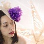 Tocado con lazo e flor morada para ceremonias
