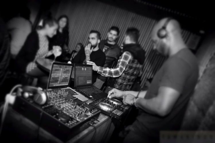 Sesión DJ Tamarindo