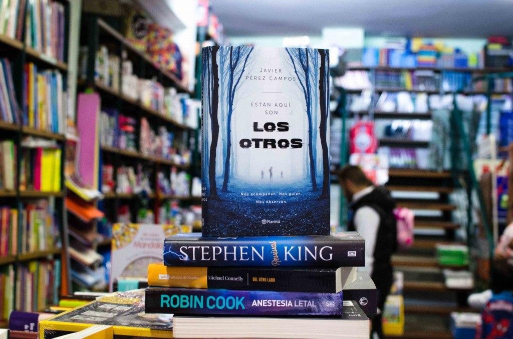 Los otros - Libros de Terror en Librería Queixumes