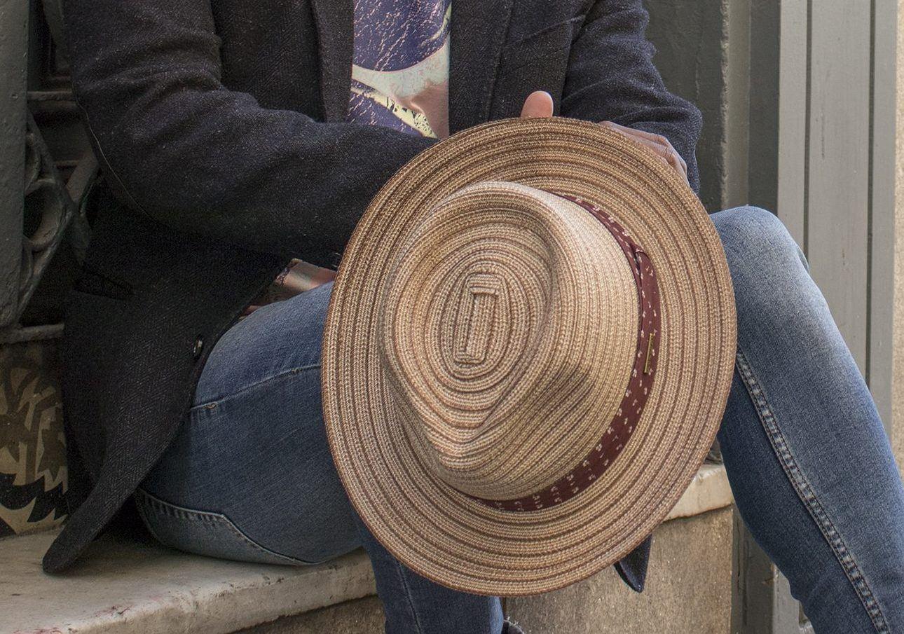 La lucha, sombrero mujer