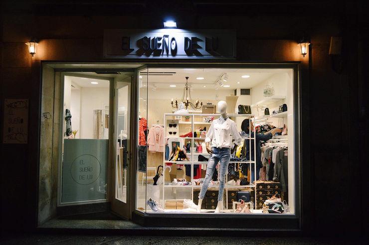 escaparate sueño de lu tienda moda ourense