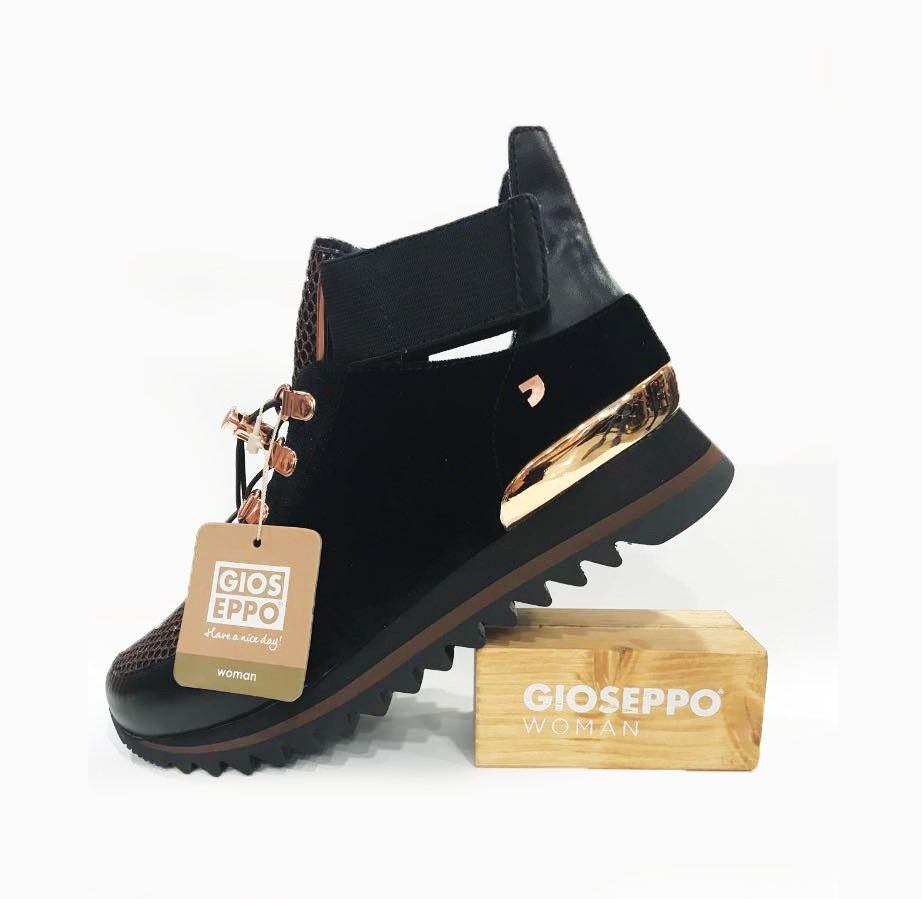 zapatillas negras estilo botín gioseppo