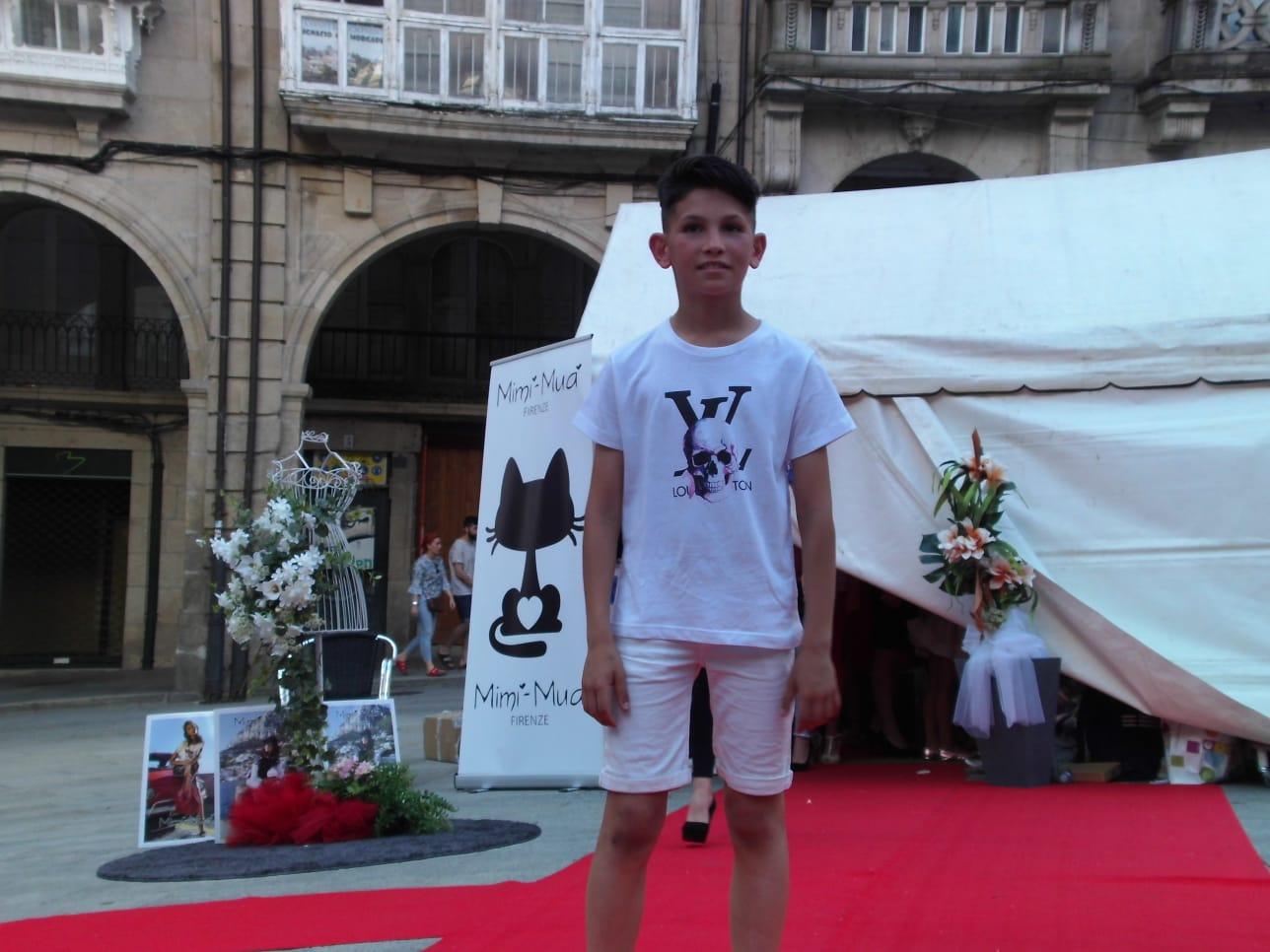 Desfile de moda infantil plaza Mayor Ourense