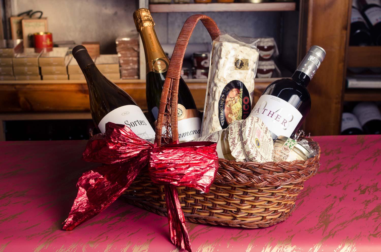 idea-regalo-de-navidad-cesta-gourmet-Santorum