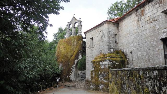 Monasterio de San Pedro de Rocas-vinosycaminos