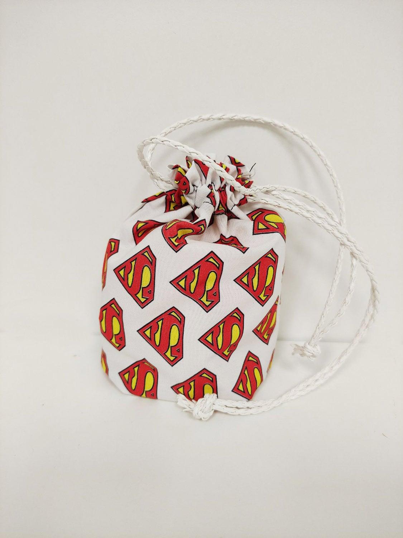 Porta mascarillas Superman