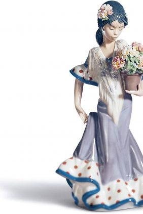 Lladró andaluza con flores 5490