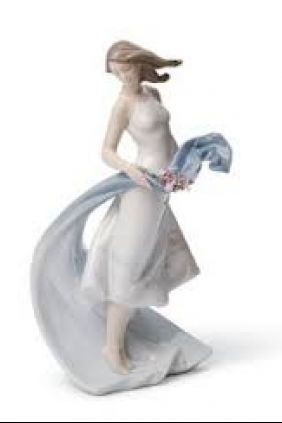 Lladró chica flores 7711