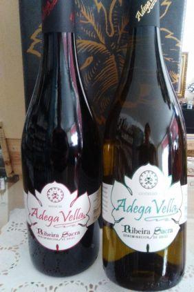 Comprar online Estuche Vino Godello y Mencía Adega Vella
