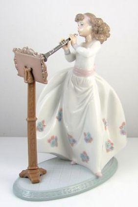 Lladró chica clarinete 6319