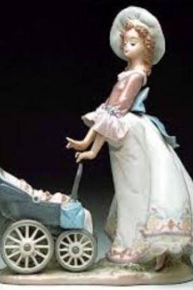 Lladró mujer carrito niño 5878