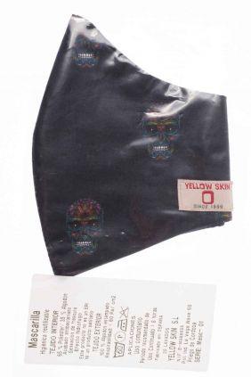 Comprar Mascarilla negra calaveras higiénica reutilizable