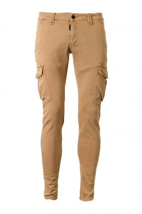 comprar online Pantalón Cargo hombre Camel Dark & Fish