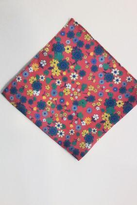 Pañuelo decorativo floral rojo Marco Valenti