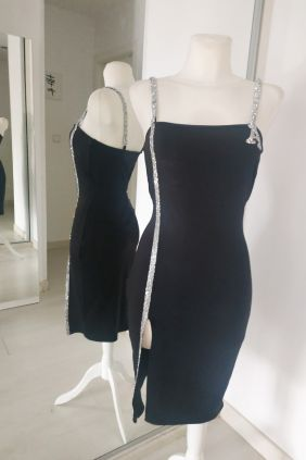 Vestido negro entallado Anna Milittia