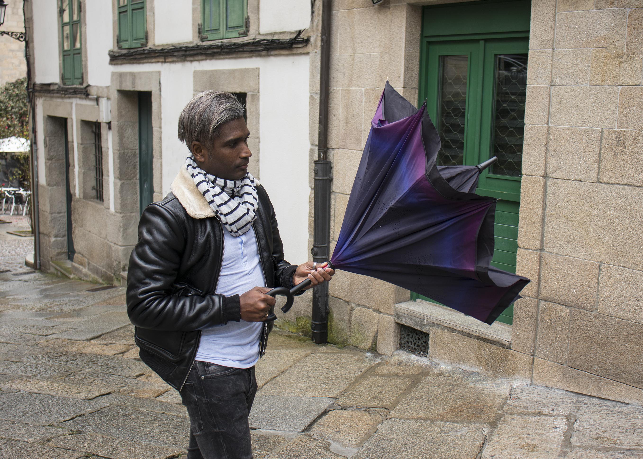Detalle paraguas reversible