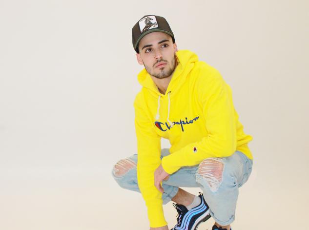 suadera-amarilla-gorra